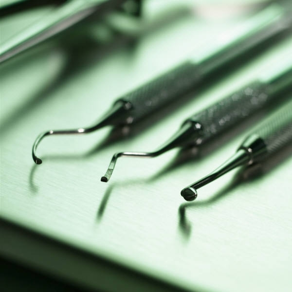 how to fix a chipped tooth cost
