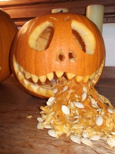 Grinning jack-o-lantern from Cottage Crafts blog