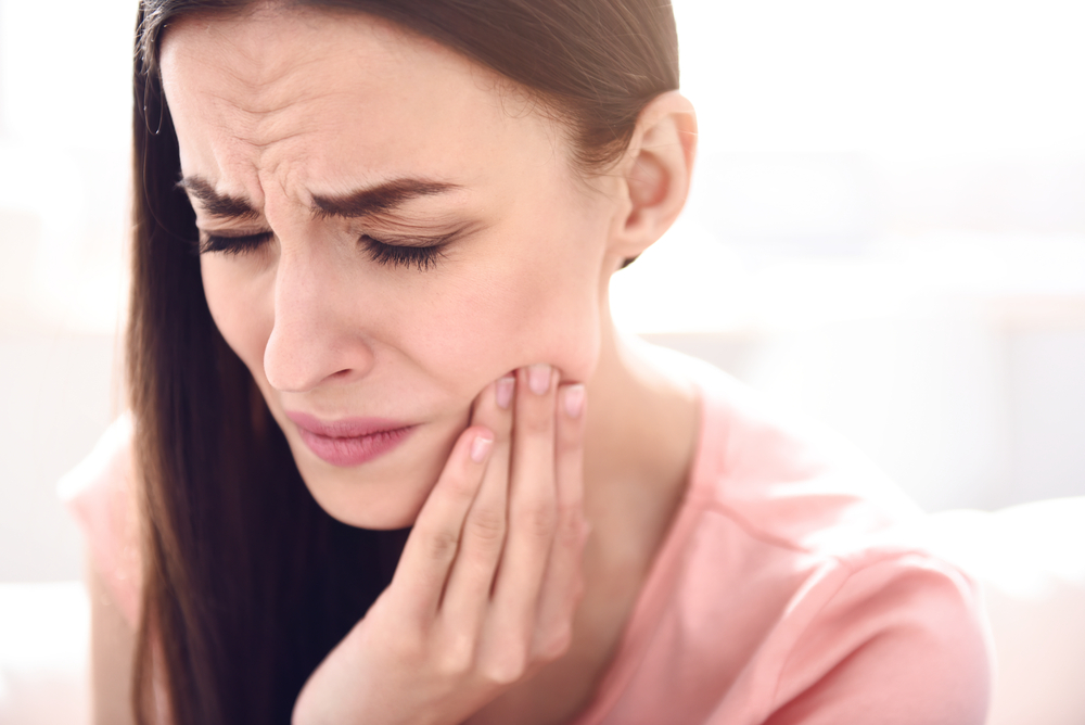 Toothache for At-Home Tooth Extraction