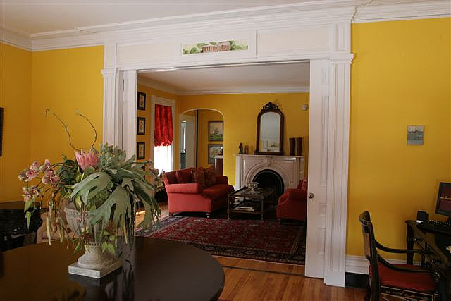 Yellow Room To Help With Vision