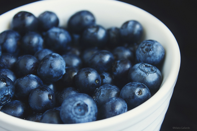 Avoid Blueberries To Have Best Smile For Your Wedding