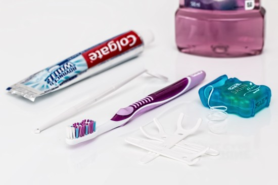 Keep Dental Supplies Nearby to Improve Dental Health in the Workplace
