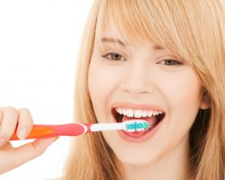 Why You Should Brush Your Tongue (Dental Care Tips)