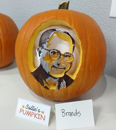 1Dental CEO Randy Meinen Pumpkin Carving